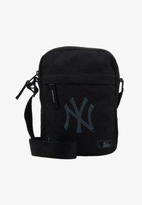 New Era - SIDE BAG - Umhängetasche - black - 6