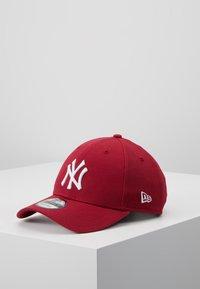 New Era - LEAGUE ESSENTIAL 9FORTY LOSDOD LRYWHI - Cap - new york yankees uca - 0