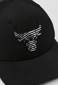 New Era - NBA MONOTAPE 9FIFTY - Caps - black - 6
