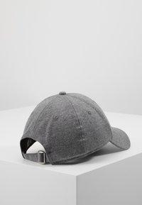 New Era - ESSENTIAL 9FORTY - Cap - grey heather - 3