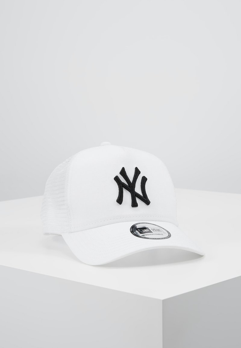 New Era - ESSENTIAL AFRAME TRUCKER - Cap - white