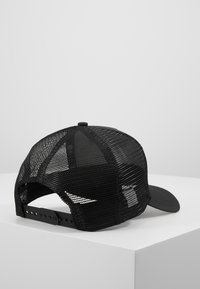 New Era - TONAL AFRAME TRUCKER - Lippalakki - black - 3