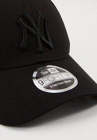 New Era - STRETCH SNAP - Cap - black - 3