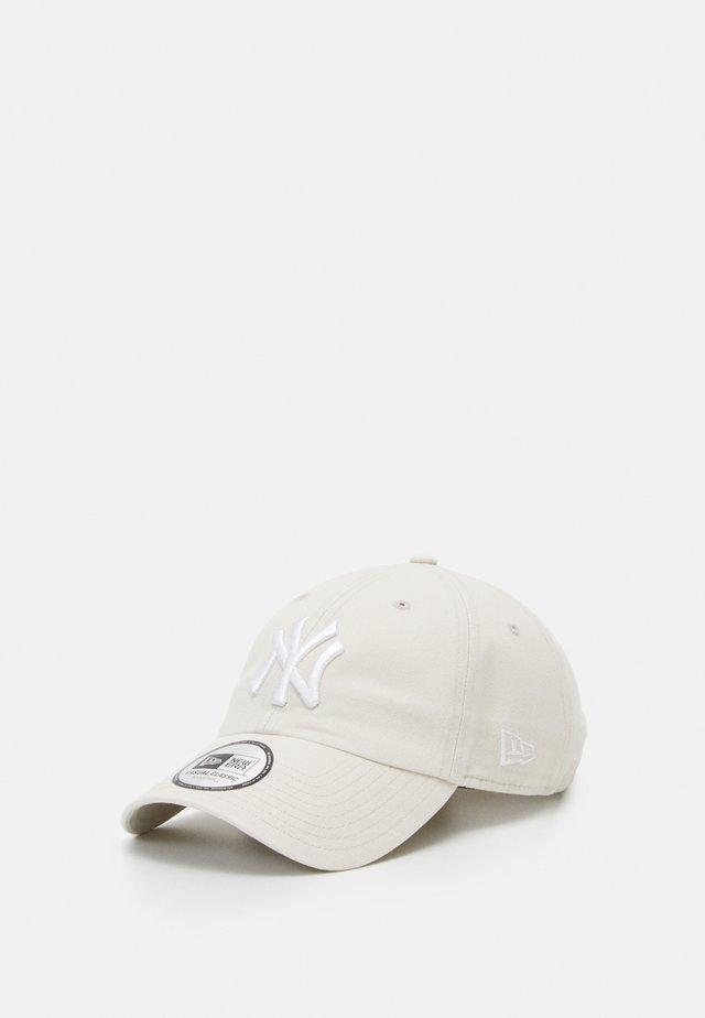 LEAGUE ESSENTIAL CASUAL CLASSIC - Cap - stone white