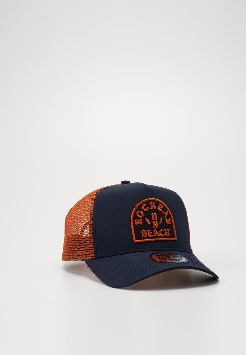New Era - ROCKBAY E-FRAME TRUCKER  - Cap - navy/orange