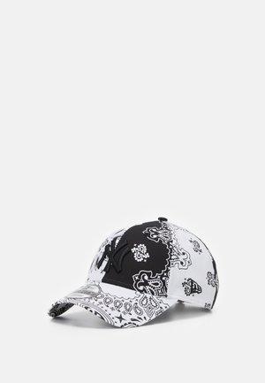 940 NEYYAN - Caps - white
