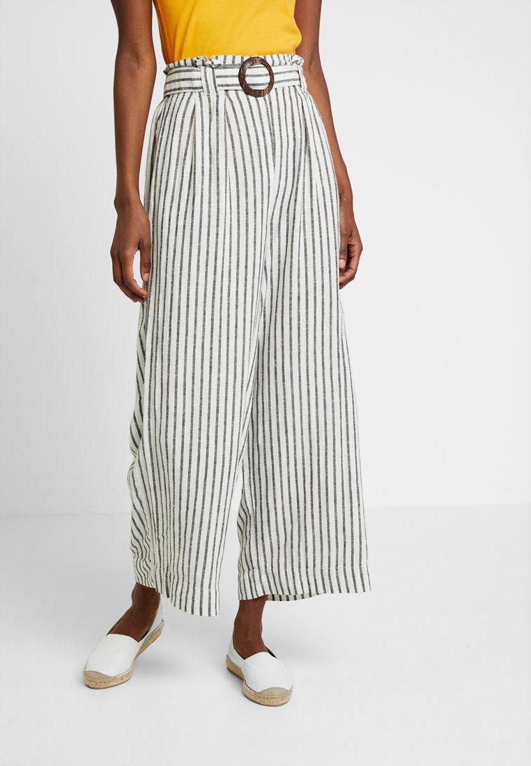 New Look Tall - MARK STRIPE CROP TROUSER  - Kalhoty - cream
