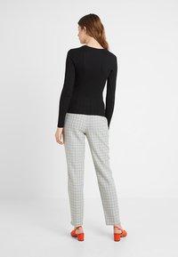 New Look Tall - VERONICA CREW 2 PACK - Long sleeved top - black - 2
