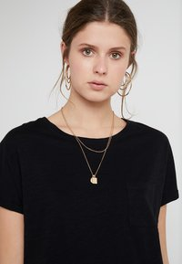 New Look Tall - 2 PACK SLUB POCKET TEE - Basic T-shirt - black/white - 4
