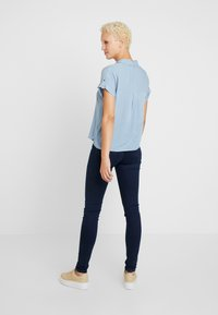 New Look Tall - JEFF PATCH SLUB - Button-down blouse - blue - 2