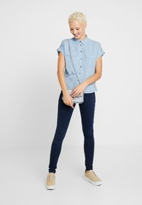 New Look Tall - JEFF PATCH SLUB - Button-down blouse - blue - 1