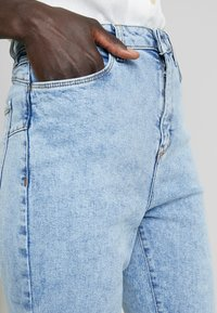 New Look Tall - TALL WAIST ENHANCE MOM - Jeans Relaxed Fit - blue - 4