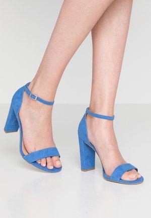 WIDE FIT TARONA - Sandaler med høye hæler - mid blue