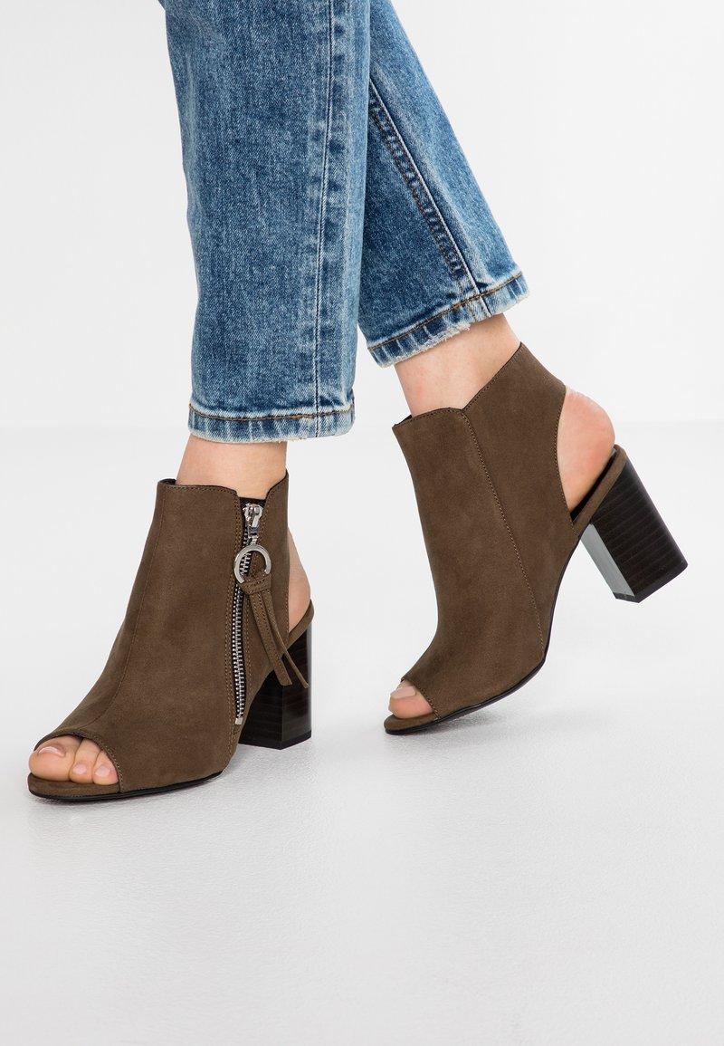 New Look Wide Fit - WIDE FIT PIPS - Sandaler m/ skaft - dark khaki