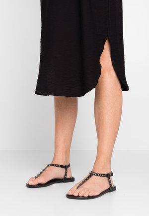 WIDE FIT FOSECCO - Sandály s odděleným palcem - black