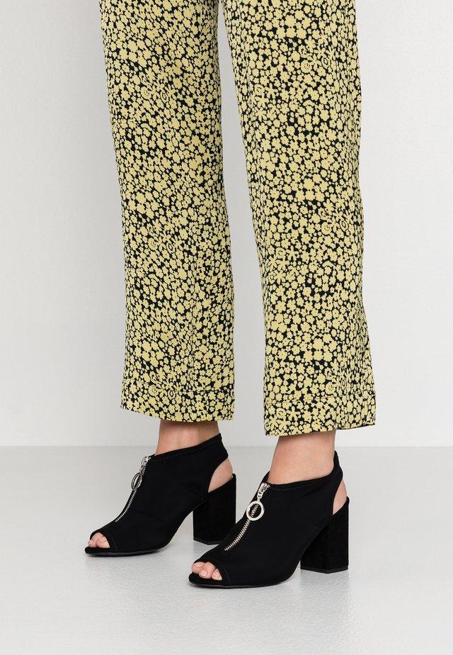 WIDE FIT ZIPPER - High Heel Sandalette - black