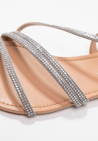 New Look Wide Fit - WIDE FIT FIAMOND - Sandály - mid grey - 2