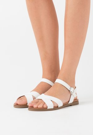WIDE FIT GOODY - Sandales - white