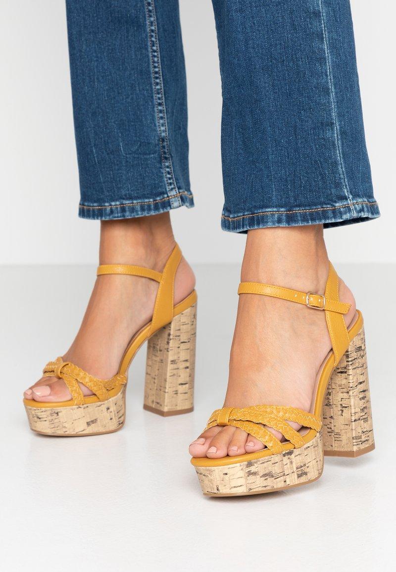 New Look Wide Fit - WIDE FIT PIXIE - Højhælede sandaletter / Højhælede sandaler - dark yellow