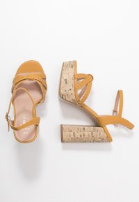 New Look Wide Fit - WIDE FIT PIXIE - Sandalias de tacón - dark yellow - 3