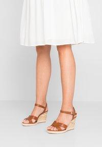 New Look Wide Fit - WIDE FIT POTTER - Sandály na vysokém podpatku - tan - 0