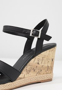 New Look Wide Fit - WIDE FIT POTTER - Korolliset sandaalit - black - 2
