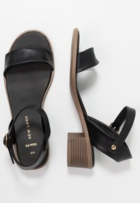 New Look Wide Fit - WIDE FIT PAMBLE - Sandals - black - 3