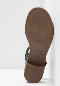 New Look Wide Fit - WIDE FIT PAMBLE - Sandals - black - 6