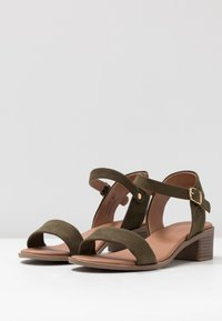 New Look Wide Fit - WIDE FIT PAMBLE - Sandály - dark khaki - 4