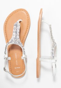 New Look Wide Fit - WIDE FIT FOPAZ - Sandály s odděleným palcem - white - 3