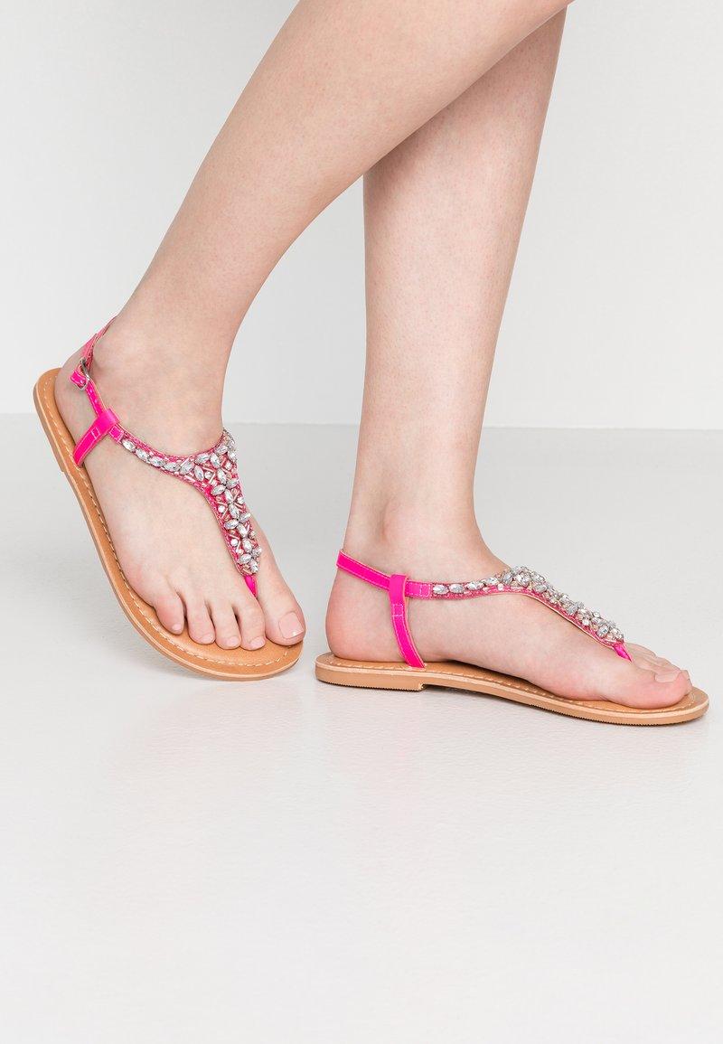 New Look Wide Fit - WIDE FIT FOPAZ - Sandály s odděleným palcem - bright pink