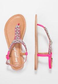 New Look Wide Fit - WIDE FIT FOPAZ - Sandály s odděleným palcem - bright pink - 3