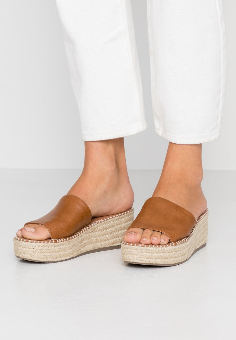 New Look Wide Fit - WIDE FIT PEACH - Heeled mules - tan