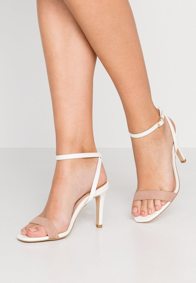 New Look Wide Fit - WIDE FIT SENSIE - Højhælede sandaletter / Højhælede sandaler - white
