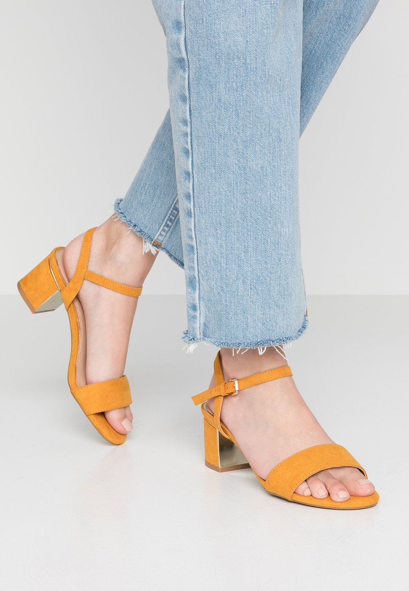 New Look Wide Fit - WIDE FIT STEEL  - Riemensandalette - dark yellow