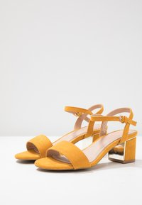 New Look Wide Fit - WIDE FIT STEEL  - Sandály - dark yellow - 4