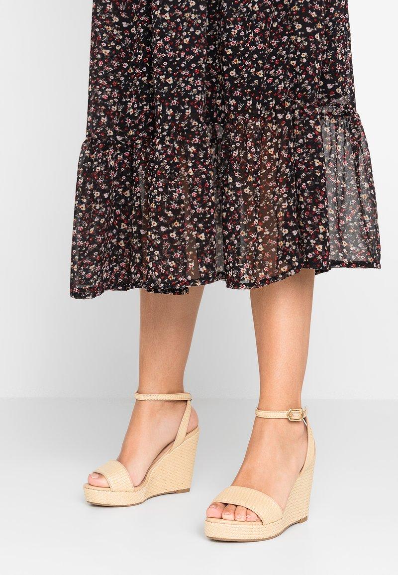 New Look Wide Fit - WIDE FIT PAFIA - Sandalen met hoge hak - offwhite