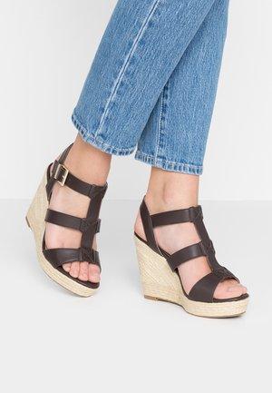 WIDE FIT POCKTAIL - Sandály na vysokém podpatku - mid brown