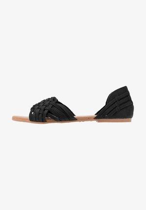 WIDE FIT GEAVE - Sandales - black