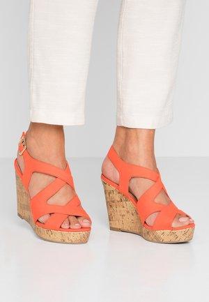 WIDE FIT POSE - Sandály na vysokém podpatku - orange