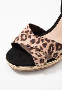 New Look Wide Fit - WIDE FIT PLOWER  - Sandály na vysokém podpatku - stone - 2