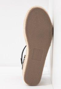 New Look Wide Fit - WIDE FIT POPPINS - Sandales à plateforme - black - 6