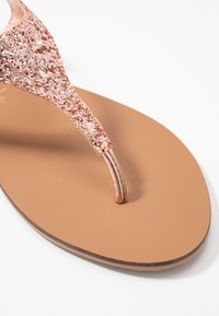 New Look Wide Fit - WIDE FIT GLITTERY - tåsandaler - rose gold - 2