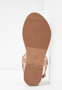 New Look Wide Fit - WIDE FIT GLITTERY - tåsandaler - rose gold - 6