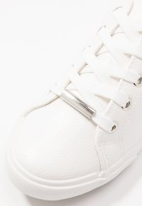 New Look Wide Fit - WIDE FIT MURPHY - Sneakersy niskie - white - 2