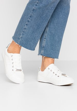 WIDE FIT MURPHY - Sneakers laag - white