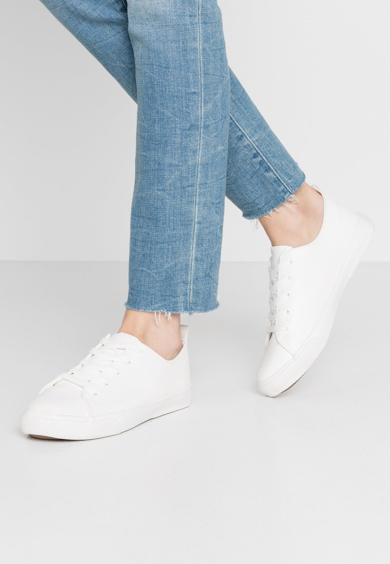 New Look Wide Fit - MOGUEL - Trainers - white