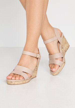 WIDE FIT POSSUM WEDGE - Sandalen met hoge hak - oatmeal