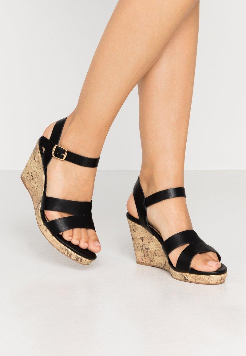 New Look Wide Fit - WIDE FIT POSSUM WEDGE - Korolliset sandaalit - black