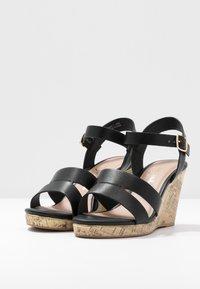 New Look Wide Fit - WIDE FIT POSSUM WEDGE - Korolliset sandaalit - black - 4